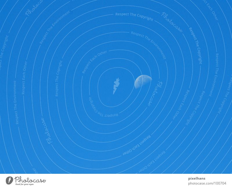 Blaues Wunder Himmel blau Stimmung Hintergrundbild Wetter rund Mond Schönes Wetter Blauer Himmel Wolkenloser Himmel Halbmond Halbkreis Sichelmond Klarer Himmel