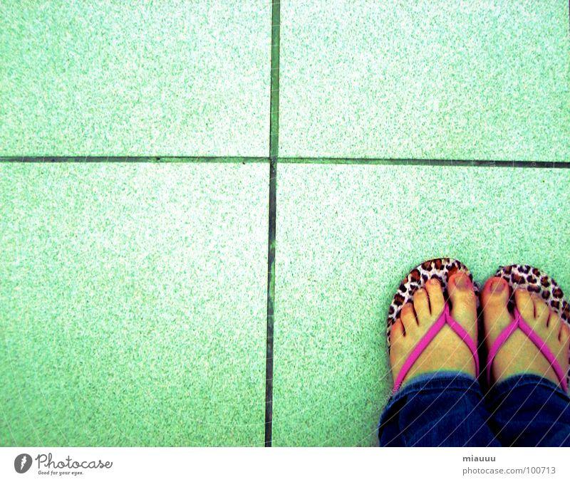 flip flop füße Flipflops Leopard Muster schön obskur Rücken Fuß leo Einsamkeit