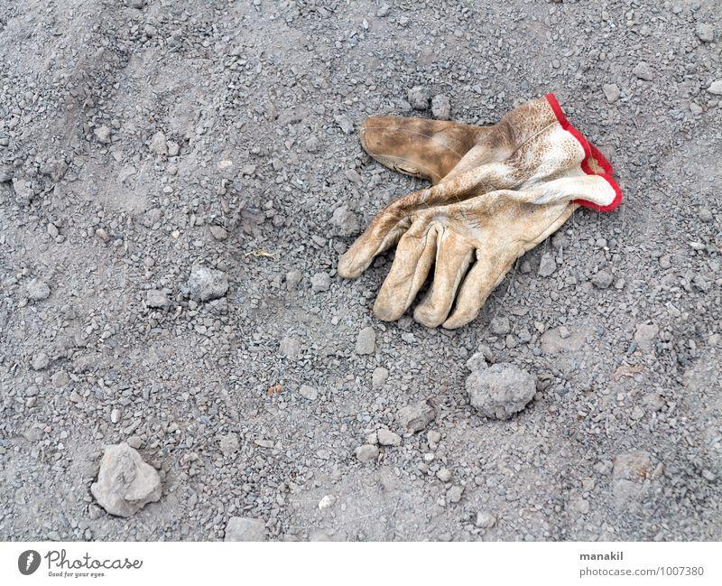 Handarbeit Arbeit & Erwerbstätigkeit Handwerker Baustelle Arbeitsbekleidung Schutzbekleidung Handschuhe Stein Sand Leder bauen gebrauchen machen dreckig braun