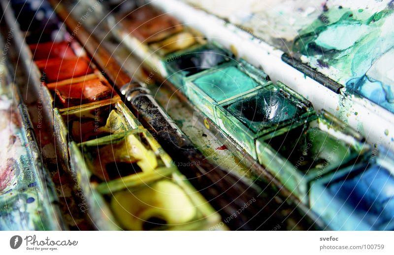 Farbenspiel Farbe Kunst Fröhlichkeit Kultur streichen Gemälde Kreativität Pinsel getrocknet gebraucht Kunsthandwerk geschmackvoll Aquarell Wasserfarbe Farbkasten