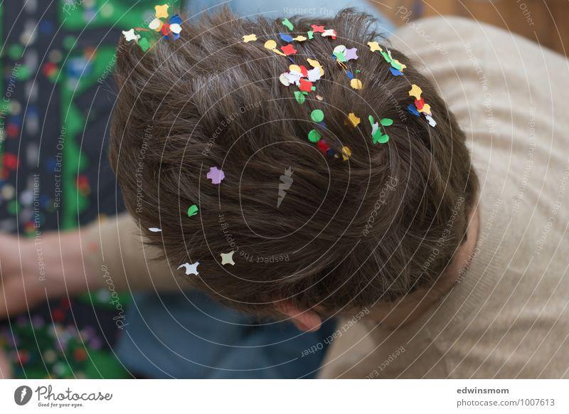 Konfetti Spaß Mensch Mann blau grün weiß rot Freude Erwachsene Spielen grau Haare & Frisuren Feste & Feiern maskulin Freizeit & Hobby Dekoration & Verzierung