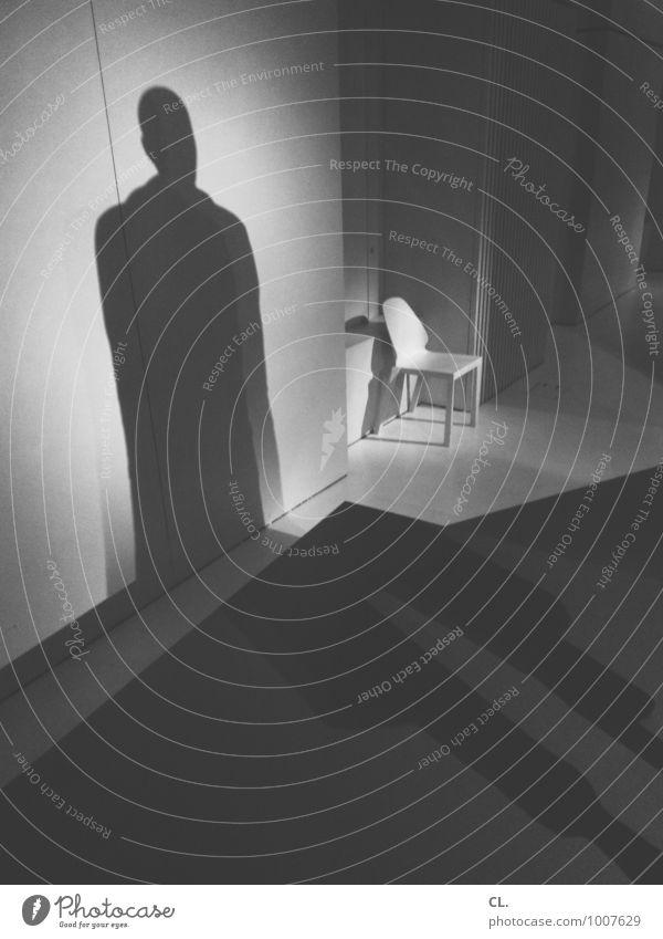 walter Mensch 1 Kunst Ausstellung Museum Kultur Mode Bekleidung Stuhl Schaufensterpuppe Modenschau groß Identität einzigartig Wachstum Schwarzweißfoto