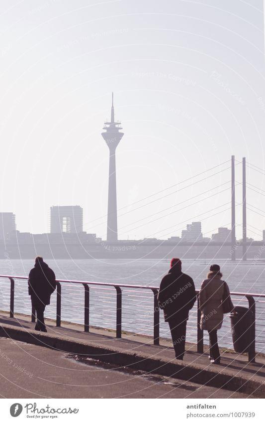Hereinspaziert Mensch Stadt blau Winter Erwachsene Leben Architektur feminin Wege & Pfade gehen braun Deutschland Paar maskulin Körper Tourismus