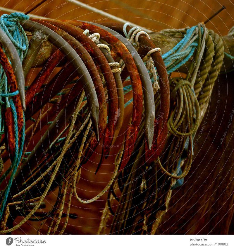 Ankerpause alt Meer Farbe See Wasserfahrzeug Feste & Feiern Seil Pause Hafen Spitze Handwerk Rost Schifffahrt hängen durcheinander Knoten