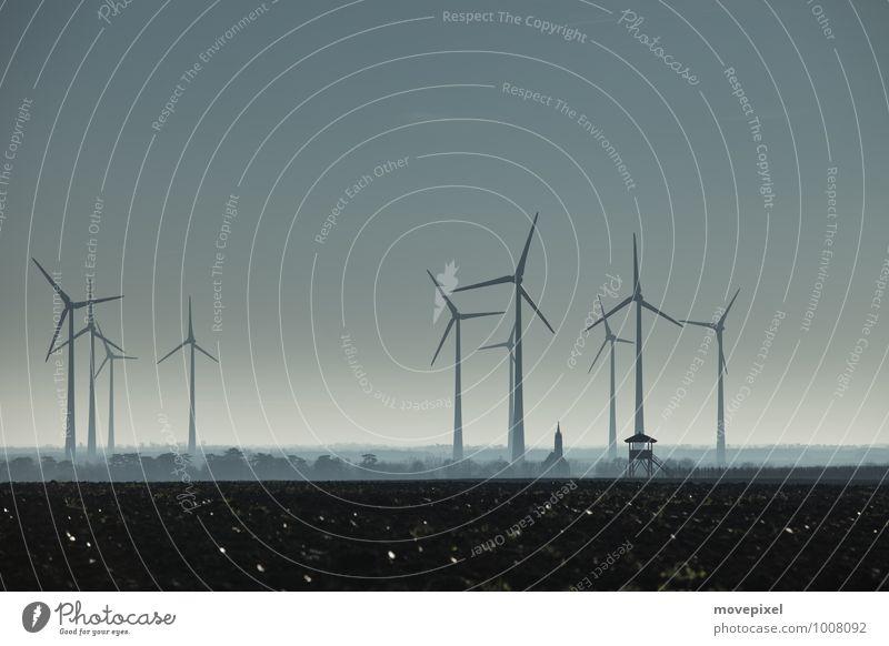 Zukunft Windräder? Energiewirtschaft Erneuerbare Energie Windkraftanlage Umwelt Herbst Winter Kleinstadt Industrieanlage Kirche Hochsitz Umweltverschmutzung
