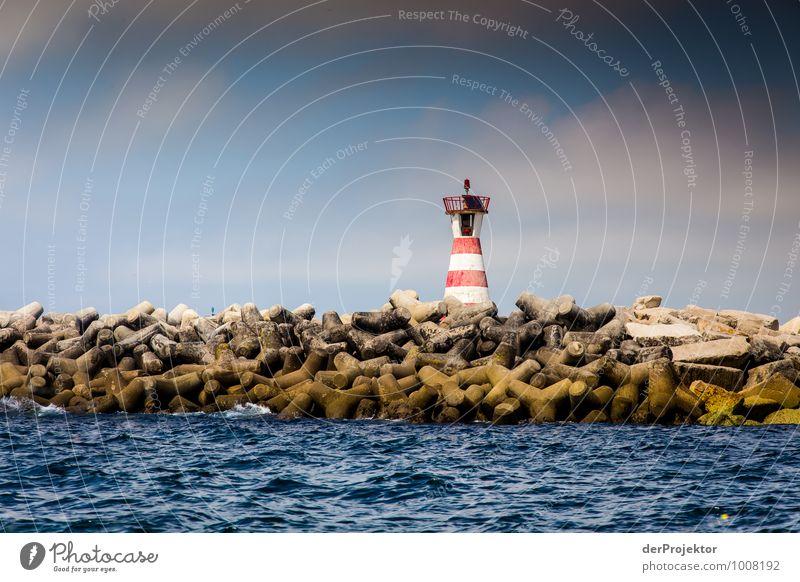 Ich bin nur ein Leuchtfeuer Umwelt Landschaft Wellen Küste Verkehr Schifffahrt authentisch Gefühle Kraft Willensstärke Macht Mut diszipliniert Ausdauer