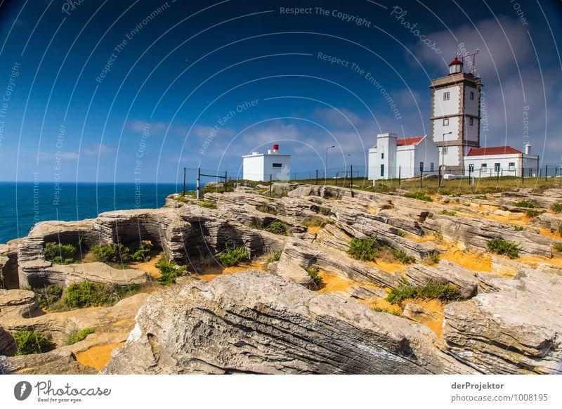 Leuchtturm bei Cabo Carvoeiro vom Land aus Natur Ferien & Urlaub & Reisen Pflanze Sommer Meer Landschaft Ferne Umwelt Gefühle Küste Freiheit Tourismus Insel Ausflug Schönes Wetter Urelemente