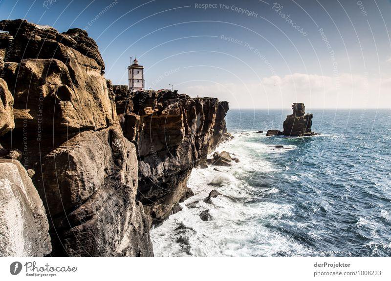 Leuchtturm bei Cabo Carvoeiro Natur Ferien & Urlaub & Reisen Pflanze Sommer Meer Landschaft Ferne Umwelt Gefühle Küste Freiheit Freizeit & Hobby Wellen