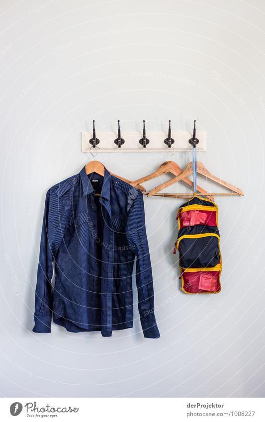 Ordnung muss sein... Bügeln nicht Lifestyle Stil Sightseeing Sommerurlaub Häusliches Leben Wohnung Schlafzimmer ästhetisch authentisch eckig elegant trendy