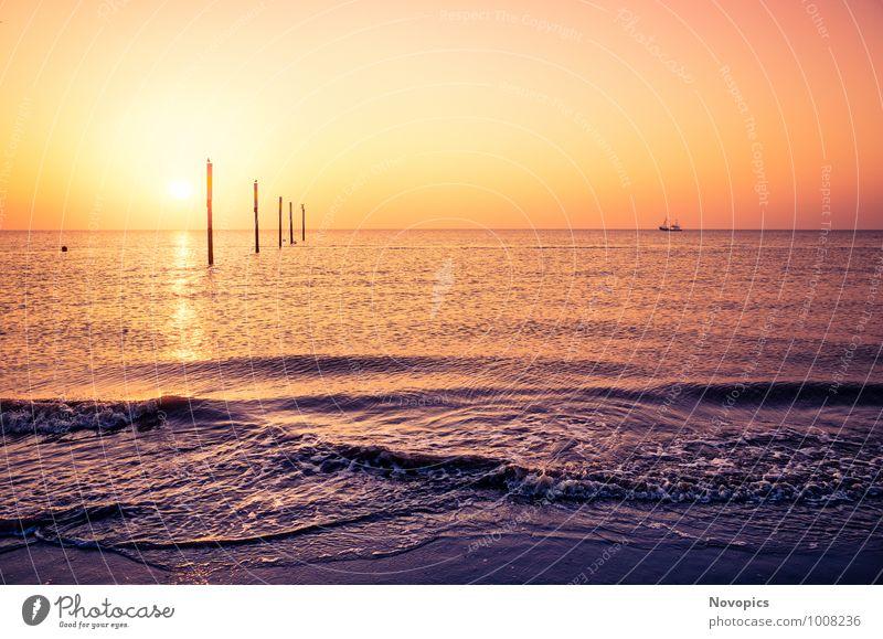 lovely view from Sankt Peter-Ording beach Ferne Sonne Strand Meer Wellen Natur Landschaft Sand Wasser Horizont Sonnenaufgang Sonnenuntergang Sonnenlicht Sommer