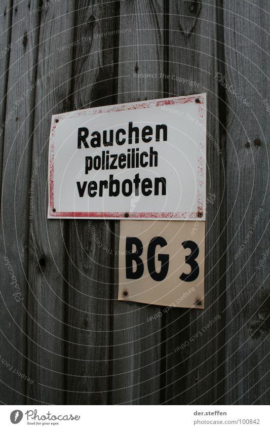 Rauchen Farbfoto Außenaufnahme Hintergrund neutral Tag Schilder & Markierungen Hinweisschild Warnschild Verbote Thüringen Gleichamberg polizeilich