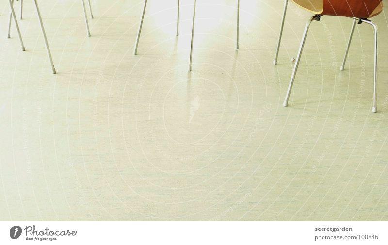stulhbeinwald Möbel Design Holz überzogen Chrom Bodenbelag weiß ruhig Küche Froschperspektive Raum Holzmehl Wohnzimmer Lagerhalle Linoleum chaotisch Club Stuhl
