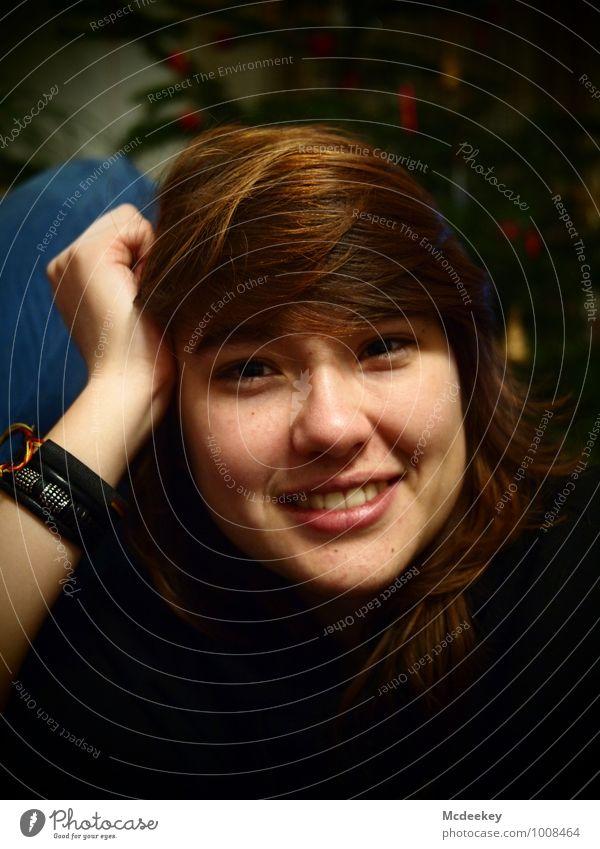 A smile for you Mensch Jugendliche blau schön grün Junge Frau Hand rot 18-30 Jahre schwarz Erwachsene Gesicht Auge feminin Glück Haare & Frisuren