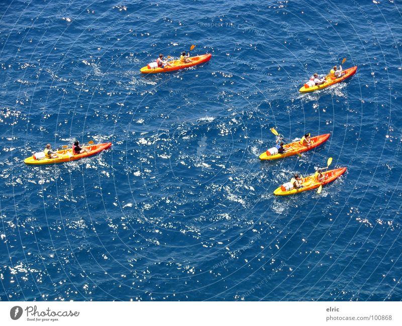 blau-orange Meer Kanu 5 mehrfarbig Wasserfahrzeug Paddeln Wassersport Ferien & Urlaub & Reisen Sommer Vogelperspektive Rudern Abenteuer Wellen Außenaufnahme