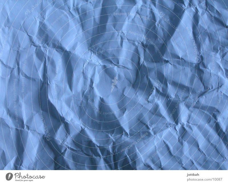 Zerknautscht Arbeitsplatz Papier Zettel Beginn Ende Enttäuschung Falte gefaltet Riss Strukturen & Formen unordentlich faltig zerknüllt zerknüllen Wut