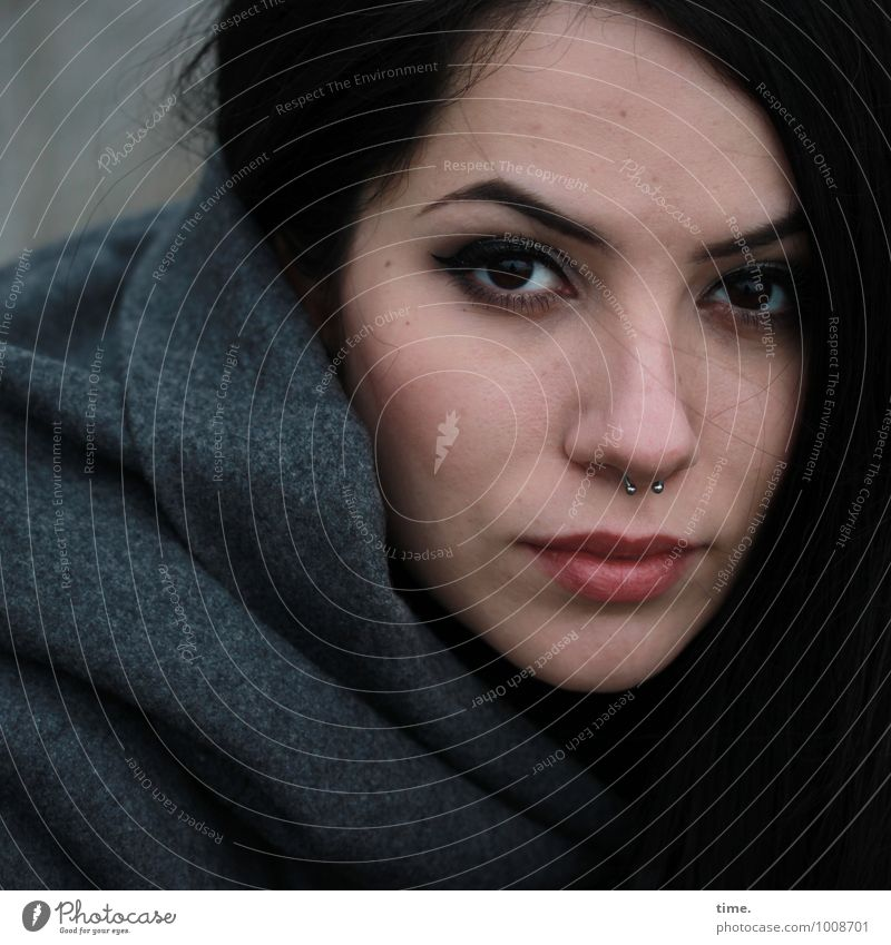 . Mensch Jugendliche schön Junge Frau ruhig Gefühle feminin Denken träumen Kraft warten beobachten Coolness Neugier Gelassenheit Konzentration