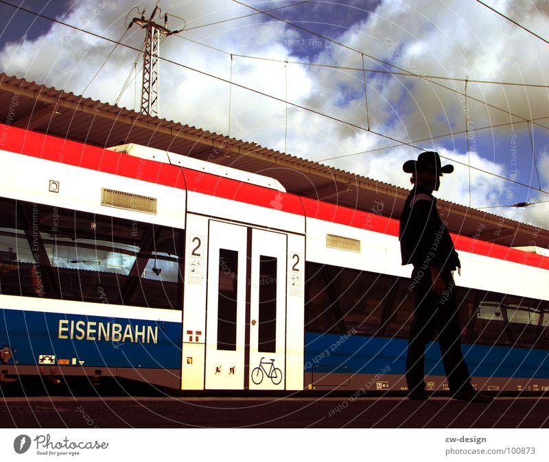 GROSSSTADTWESTERN Himmel Stadt blau weiß rot Wolken dunkel Beleuchtung Berlin Stil 2 liegen Design Verkehr Glas stehen