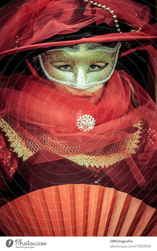 Carnevale Karneval Mensch feminin Junge Frau Jugendliche Kopf 1 Maske schön rot Romantik Venedig geheimnisvoll Tüll Farbfoto Außenaufnahme Tag