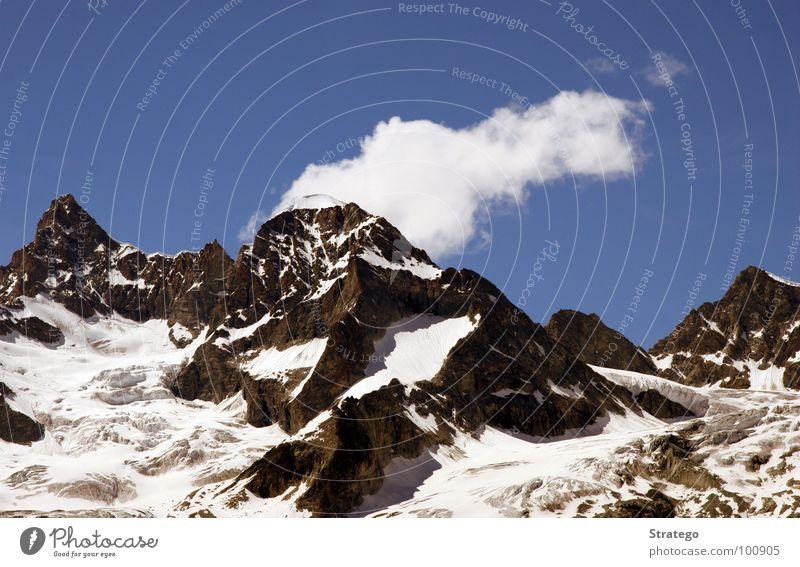 4000er Gipfel Bergkamm Bergsteiger Schweiz Zermatt Obergabelhorn Wellenkuppe extrem steil wandern aufsteigen besteigen Klettern Ausdauer Berge u. Gebirge Wolken