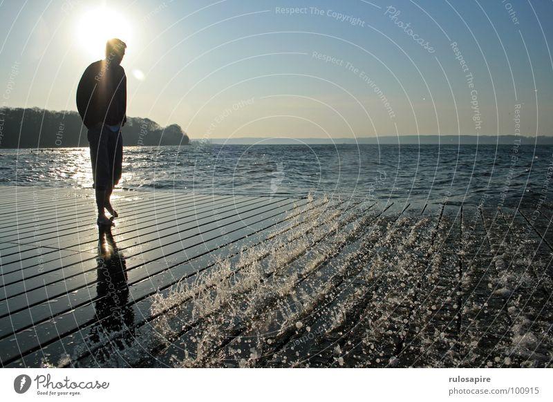 Frühlingssonne Flensburg Strand Steg Meer Sonne Wasser Solitüde Förde Ostsee Mensch Schatten