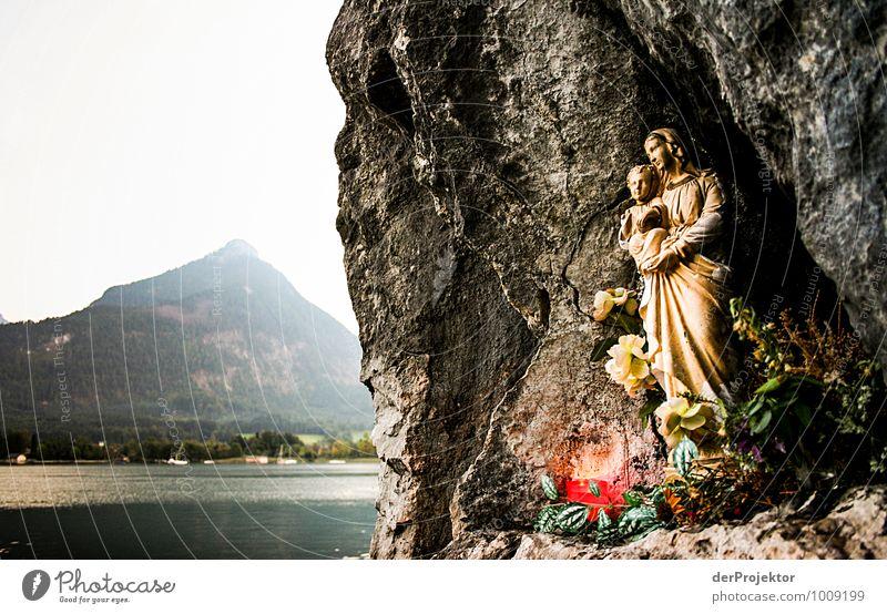 Besinnung am Wegesrand Natur Ferien & Urlaub & Reisen Landschaft Ferne Umwelt Berge u. Gebirge Herbst Religion & Glaube Freiheit See Kunst Felsen