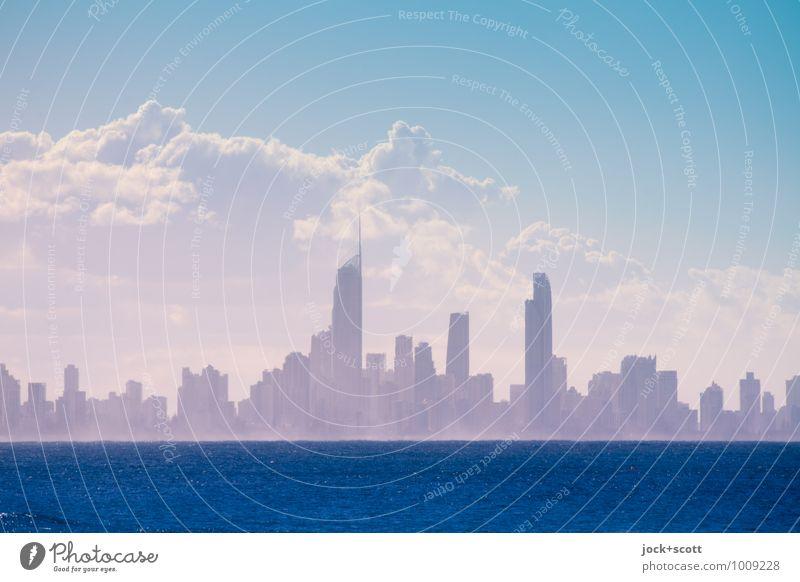 vis-à-vis blau Meer Wolken Ferne Wärme Freiheit Nebel fantastisch Vergänglichkeit Unendlichkeit Neugier viele Sehnsucht Skyline Wahrzeichen exotisch