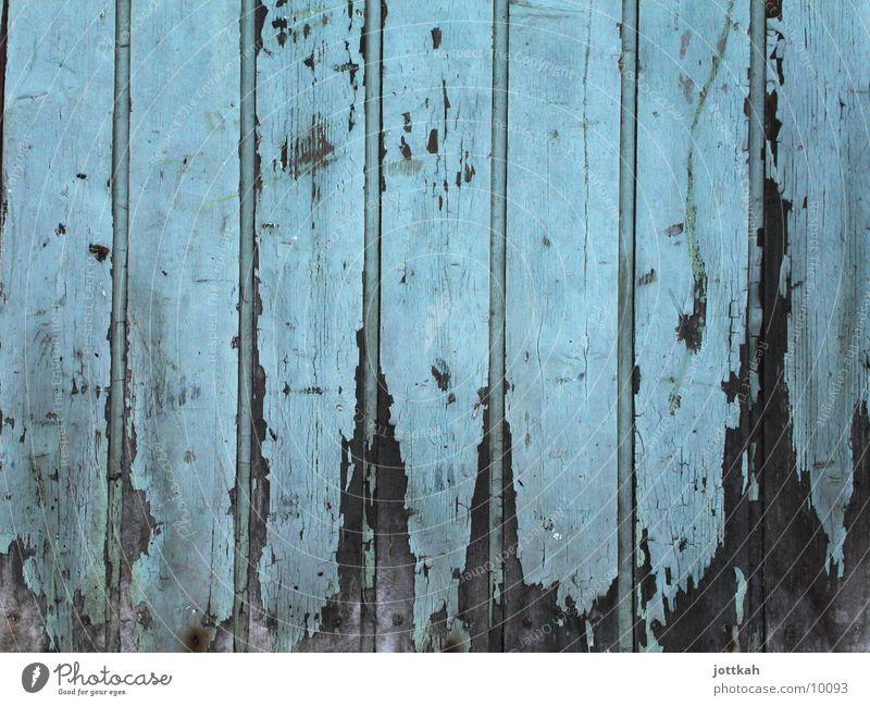 Holz in den besten Jahren Anstrich Verfall kaputt Fototechnik blau Farbe Tür alt verfallen