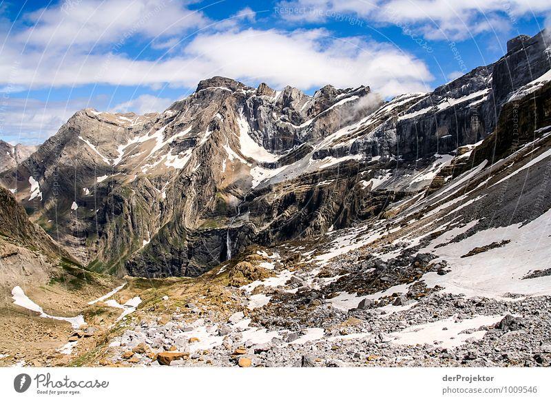 Faltengebirge Natur Ferien & Urlaub & Reisen Pflanze Sommer Landschaft Ferne Umwelt Berge u. Gebirge Gefühle Schnee Felsen Eis Freizeit & Hobby Tourismus