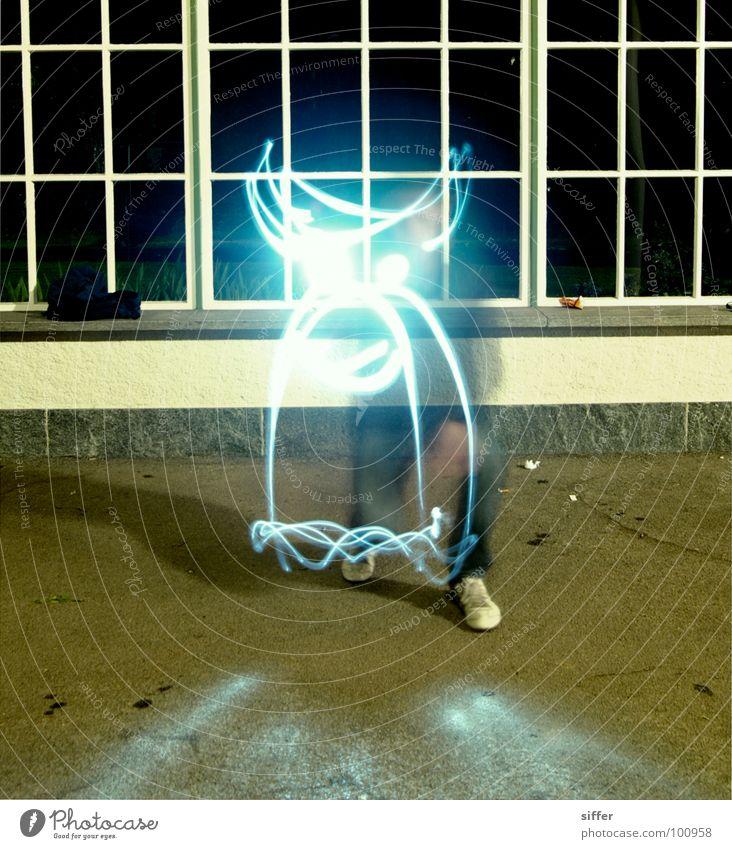 Tagnacht II Nacht Licht Langzeitbelichtung Geister u. Gespenster Taschenlampe Fenster Mensch dunkel Wand Smiley Geschwindigkeit Experiment gelb grün schwarz