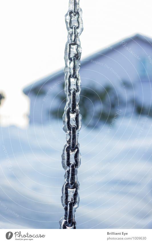 Eingefrorene Kette Natur blau weiß Winter natürlich Garten Schneefall Eis Zufriedenheit Klima ästhetisch Metallwaren Frost Klarheit gefroren Verbindung