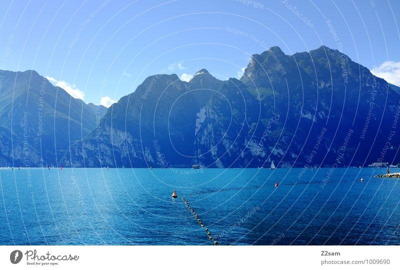 Lago di Garda Himmel Natur Ferien & Urlaub & Reisen blau Wasser Sommer Sonne Erholung Landschaft ruhig kalt Umwelt Berge u. Gebirge natürlich Gesundheit See