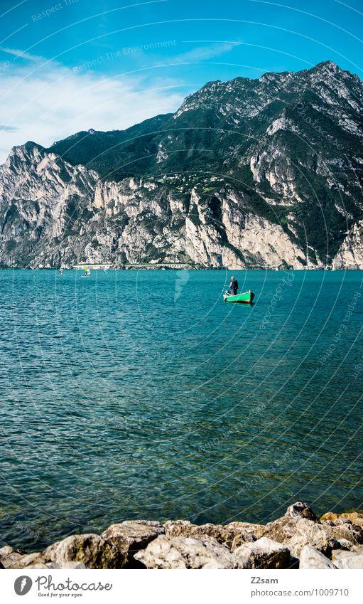 Fischer Himmel Natur Ferien & Urlaub & Reisen Mann Sommer Erholung Einsamkeit Landschaft ruhig Erwachsene Berge u. Gebirge natürlich See Wasserfahrzeug maskulin
