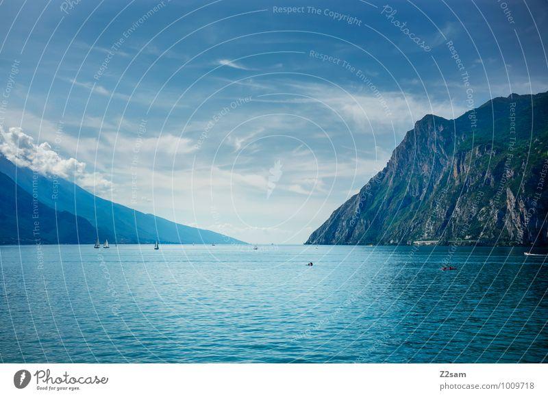Lago di Garda Natur Ferien & Urlaub & Reisen blau Sommer Wasser Landschaft ruhig Wolken Ferne kalt Umwelt Berge u. Gebirge natürlich See Erde ästhetisch