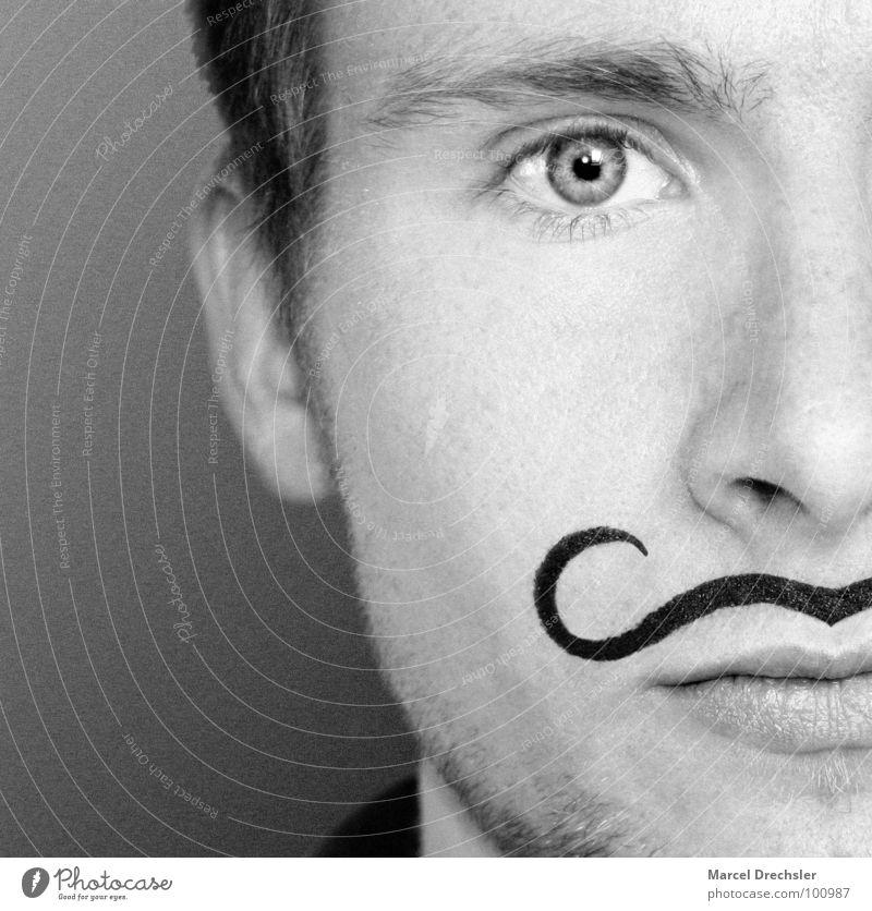 El Marcello Bart schwarz weiß Porträt Mann maskulin Unschärfe grau Trauer verkleiden Schminken geschminkt Verzweiflung Schwarzweißfoto Schnauzer Körnung Gesicht