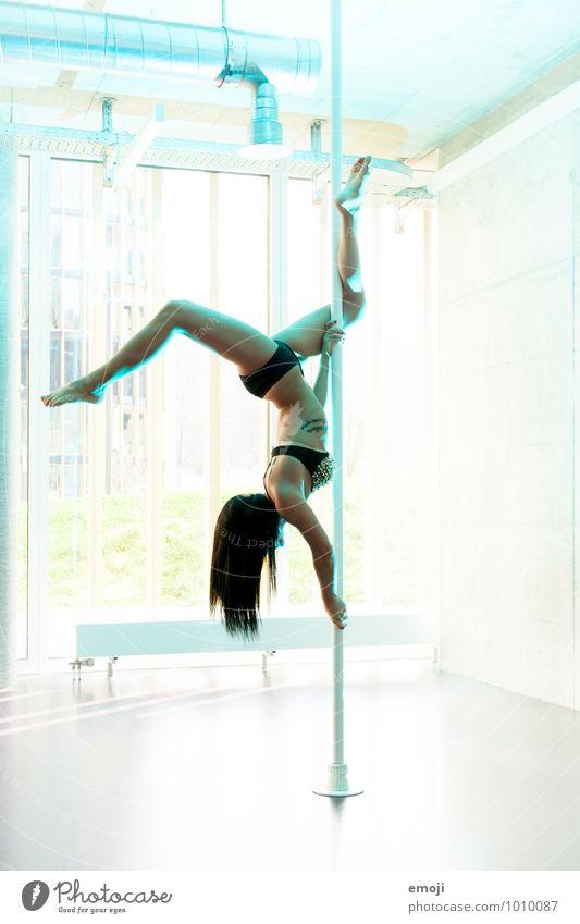 2500 | Freudentanz feminin Junge Frau Jugendliche Körper 1 Mensch 18-30 Jahre Erwachsene trendy schön Erotik sportlich weiß Sport Sport-Training poledance