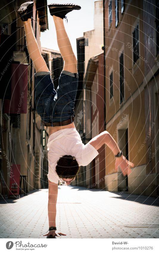 Handarbeit Jugendliche Junger Mann maskulin elegant Kraft Zufriedenheit Körper Tanzen Fitness sportlich stark Meditation Kontrolle Altstadt Sport-Training