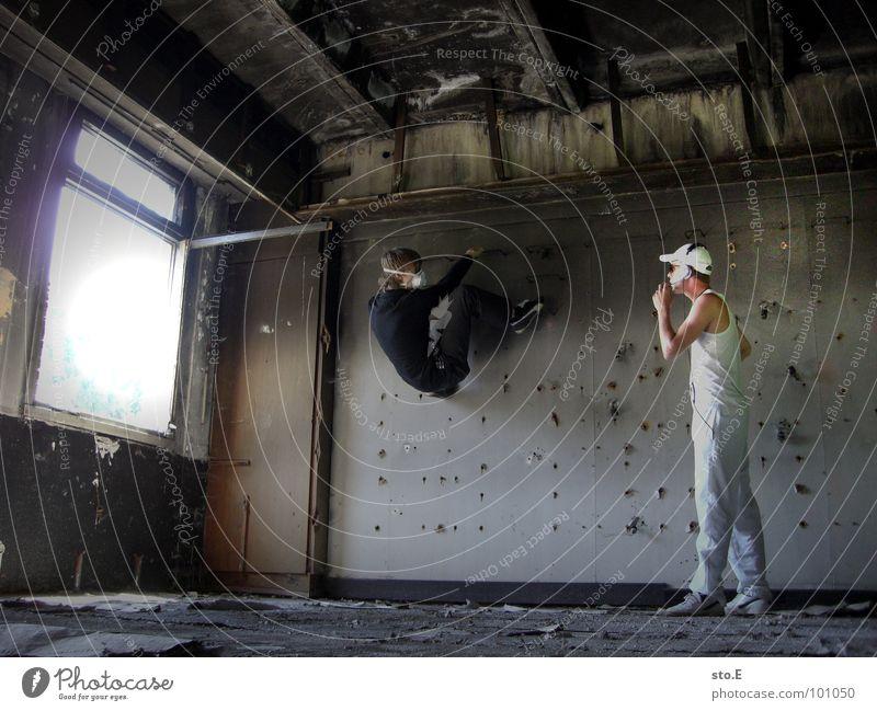 [b/w] find out Mensch Jugendliche alt weiß Farbe Einsamkeit schwarz Fenster dunkel Wand Stil Beine Kunst 2 Tür Angst