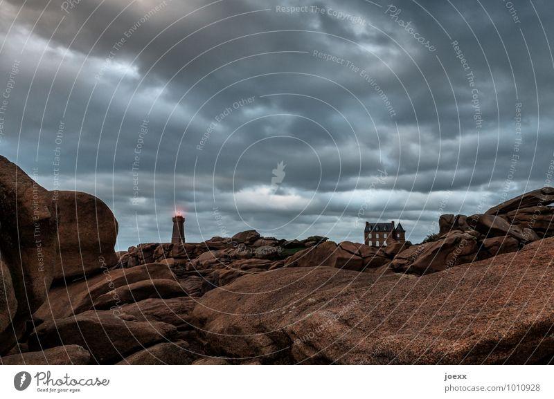 Leben und lassen blau Landschaft Wolken Haus grau braun Horizont Wetter groß Leuchtturm Cote de Granit Rose