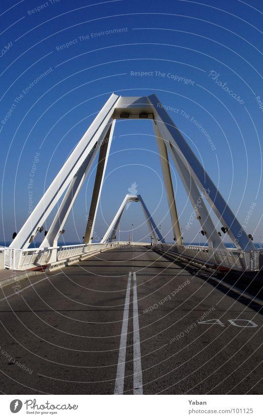 Harbour Bridge Barcelona Straße Zufriedenheit Erde Architektur Straßenverkehr Verkehr Brücke Hafen Verbindung Verkehrswege Autofahren Geometrie verbinden