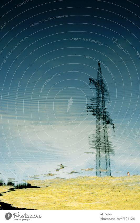 stromwellen Elektrizität Strommast Wellen Reflexion & Spiegelung Wolken Leitung Industrie Wasser Himmel Kabel usw usf