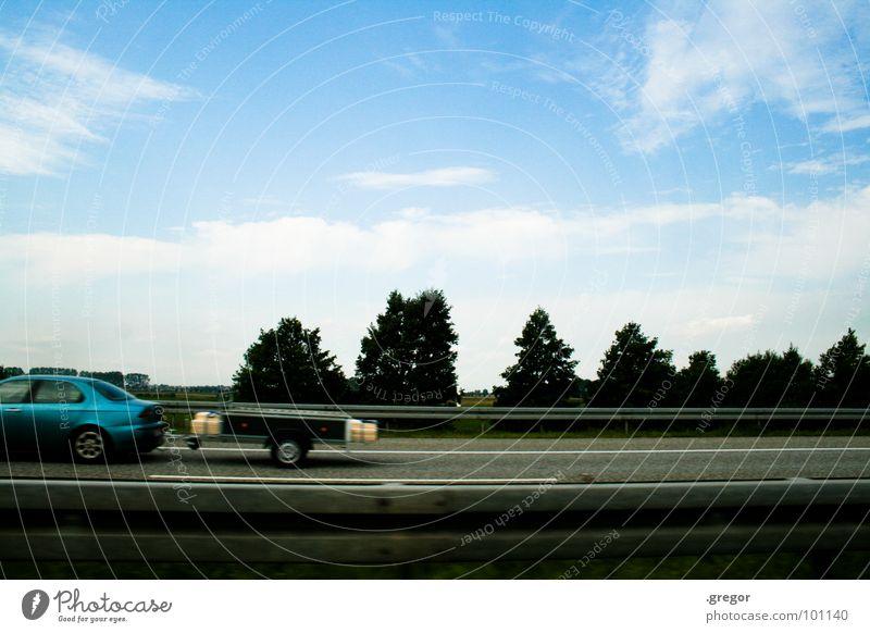 Auf nach... blau Ferien & Urlaub & Reisen grau Bewegung PKW Deutschland laufen Verkehr Geschwindigkeit fahren Rasen Güterverkehr & Logistik Autobahn Abschied