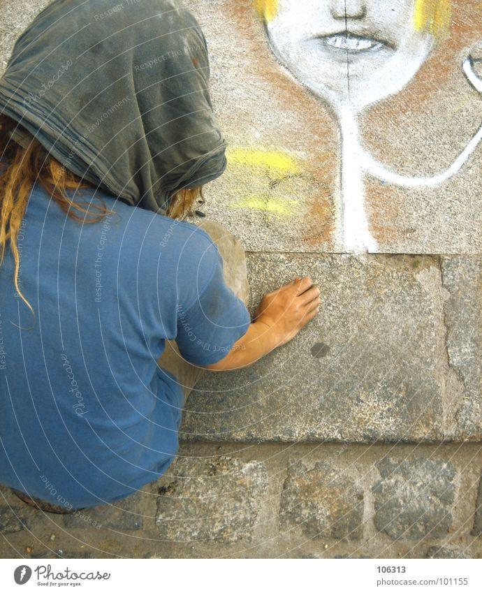 THEY CALLED HIM BASQUIAT Mensch Mann Hand blau weiß Freude ruhig Gesicht Erholung gelb Straße Leben Junge grau Haare & Frisuren Stil