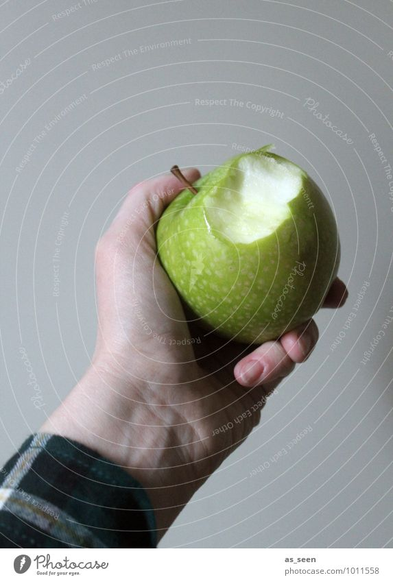 Vitamine! Mensch grün Farbe Hand Gesunde Ernährung Leben Gesundheit Essen Lebensmittel Gesundheitswesen Frucht Kraft authentisch frisch genießen