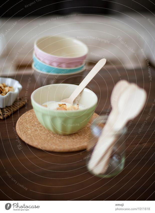 Joghurt Milcherzeugnisse Frucht Dessert Süßwaren Ernährung Vegetarische Ernährung Diät Geschirr lecker süß Farbfoto Innenaufnahme Menschenleer Tag