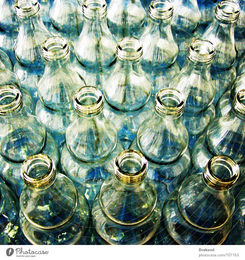 Containers blau Glas Industrie machen Flasche Erdöl durchsichtig ökologisch Kristallstrukturen Produktion Paket Verpackung Recycling Behälter u. Gefäße Essig