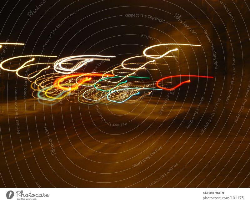Verwirrung Licht Belichtung Geschwindigkeit Verkehr Langzeitbelichtung unruhig Farbe Perspektive Irritation