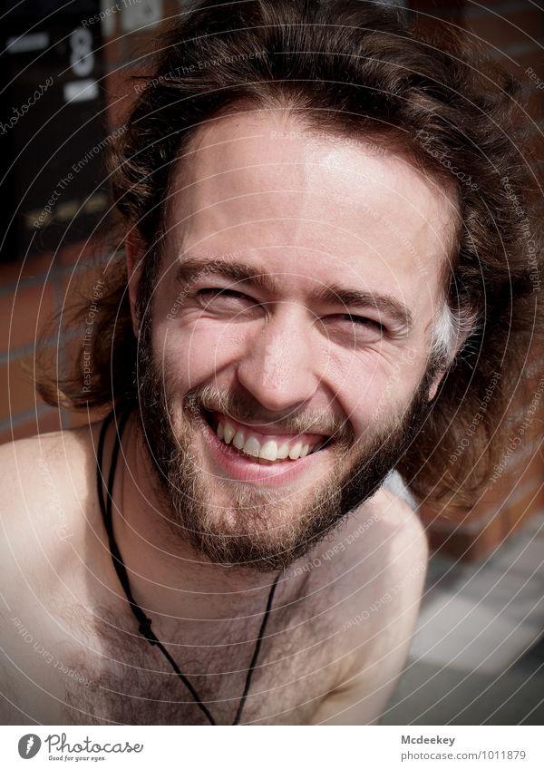 Don't forget to smile :) Mensch Jugendliche weiß Sonne Junger Mann 18-30 Jahre schwarz Erwachsene Gesicht natürlich grau Haare & Frisuren lachen braun Kopf rosa