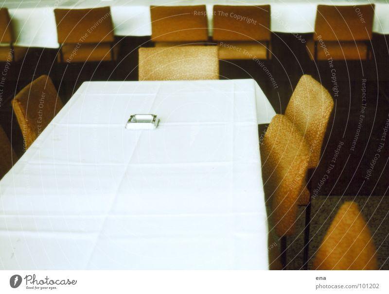 morgen ist sieger-ehrung alt weiß Ernährung Raum sitzen leer Stuhl Rauchen Gastronomie Sitzung Dresden Gesellschaft (Soziologie) DDR Sitzreihe fertig Vorfreude