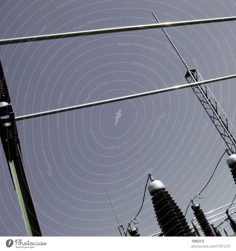 Spiel, Spaß & SPANNUNG Elektrizität gefährlich Wellen Strahlung Linie geheimnisvoll Labor Spinnerei fremd maskulin Spielen High-Tech Macht Lebensgefahr Stab