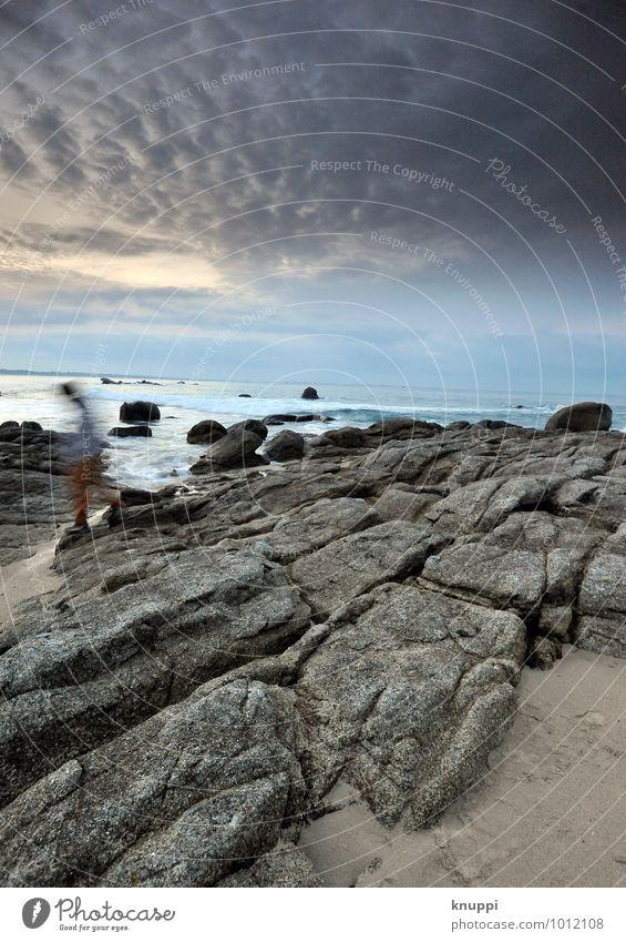 Bretagne / esprit Mensch Himmel Natur Jugendliche Mann blau Wasser Sonne Meer Junger Mann Landschaft Wolken Strand Winter Erwachsene Umwelt